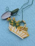 Tulpenkorb mit Schaufel