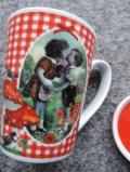 Junge Liebe-Tasse mit Deckel