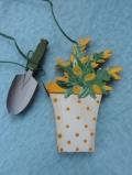 Blumentopf mit Schaufel
